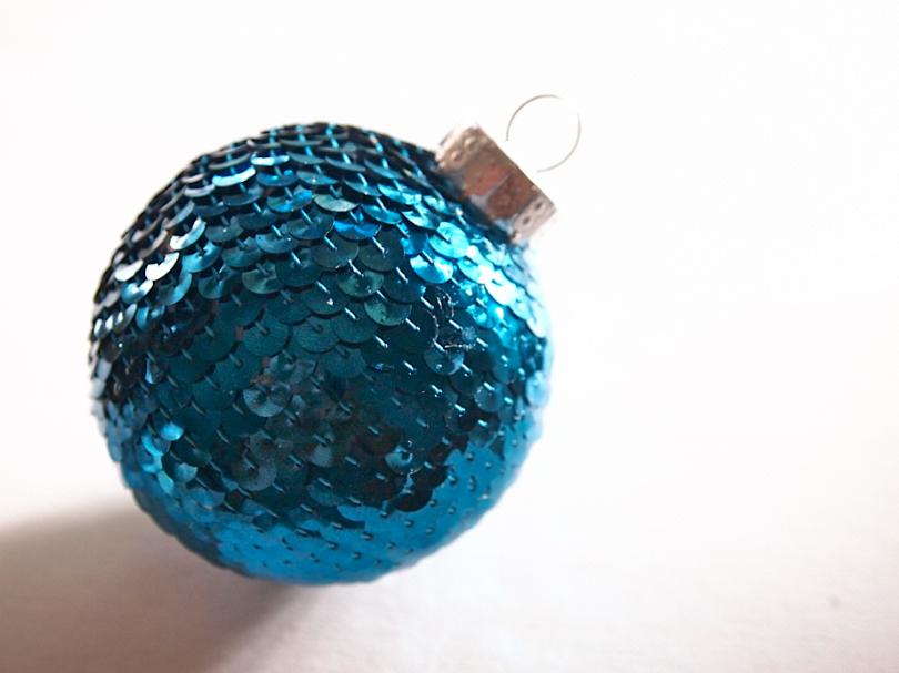 Sequin N Glue DIY Christmas Ornament by Glitter N Glue CLOSE UP