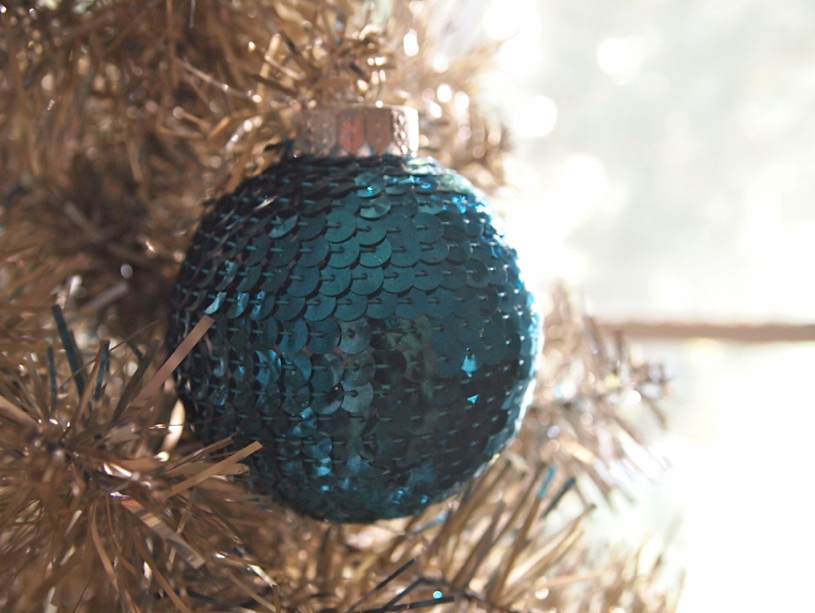 Sequin N Glue DIY Christmas Ornament by Glitter N Glue