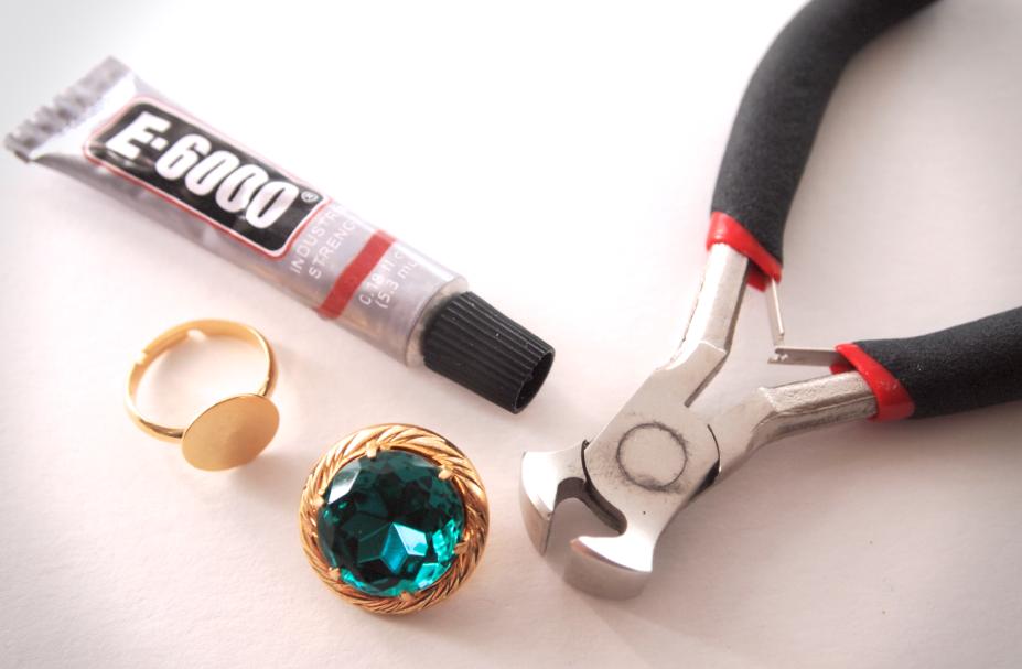 Glitter N Glue DIY Emerald Green Button Ring MATERIALS
