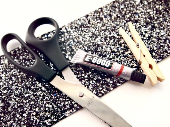 Glitter 'N Glue DIY Glitter Coffee Sleeve  Materials