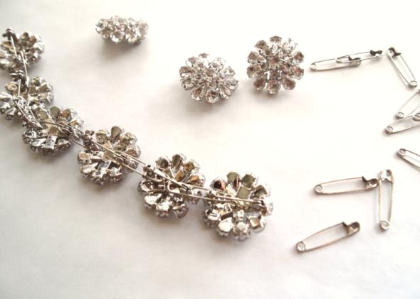 Glitter N Glue Button Brooch Necklace A LA Anne Hathaway Oscars 2013 TRAIN