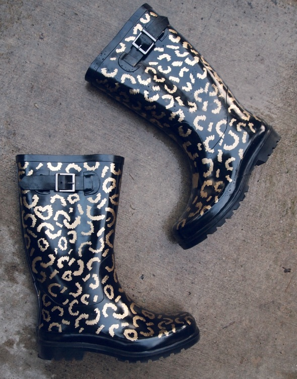Glitter N Glue DIY Gold Leaf Leopard Rainboots DETAILS
