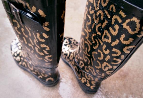 Glitter N Glue DIY Gold Leaf Leopard Rainboots RAIN