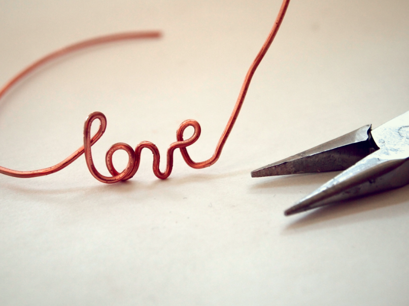 DIY: Rose Goldish (aka Copper) Wire LOVE Bracelet |
