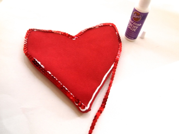 Glitter N Glue DIY Sequin Heart Shaped Valentine's Purse GLUE