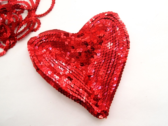 Glitter N Glue DIY Sequin Heart Shaped Valentine's Purse SEQUIN