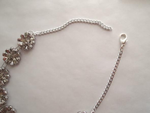 Glitter  N Glue DIY Button Brooch Necklace A LA Anne Hathaway Oscars 2013