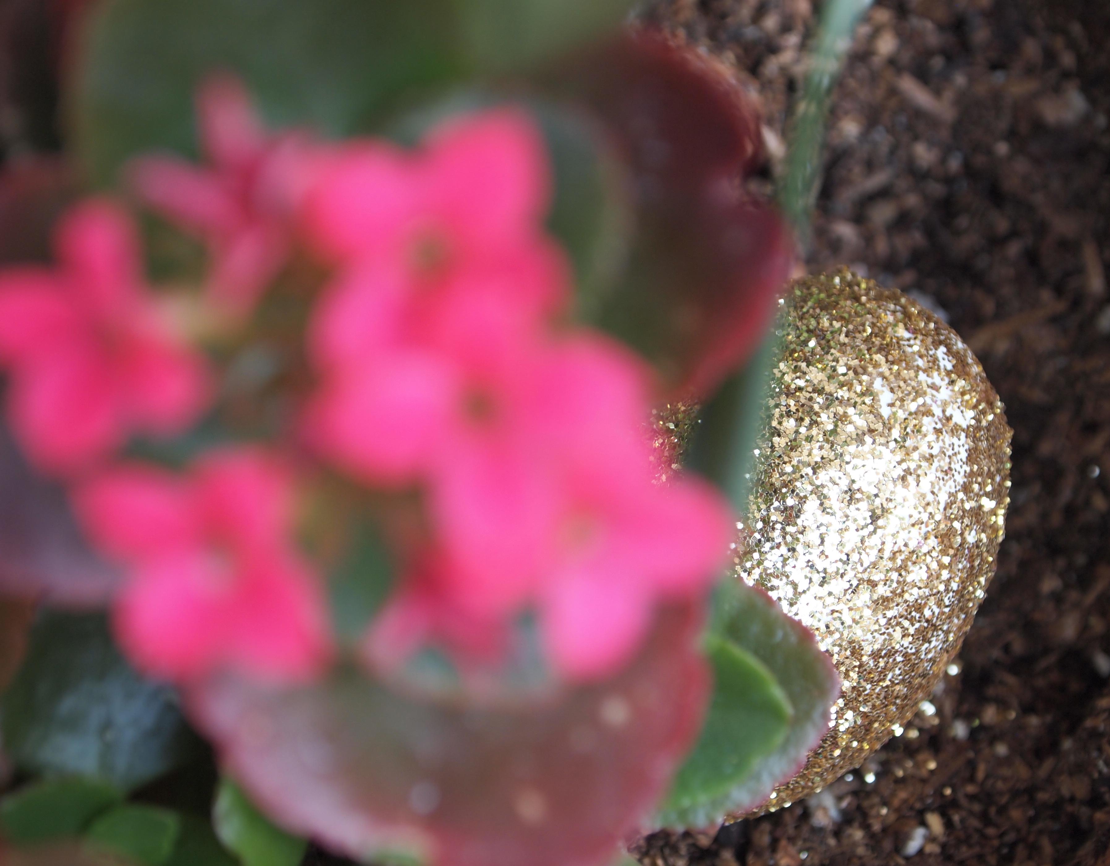 Glitter N Glue DIY Glitter Easter Egg