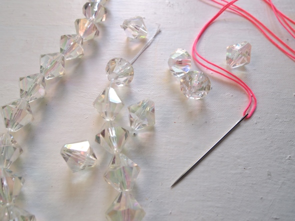 Glitter 'N Glue DIY Lucite And Neon Necklace NEEDLE