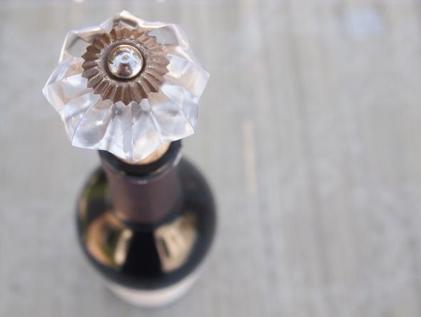 Glitter N Glue DIY Decorative Door Know Wine Cork  DETAIL