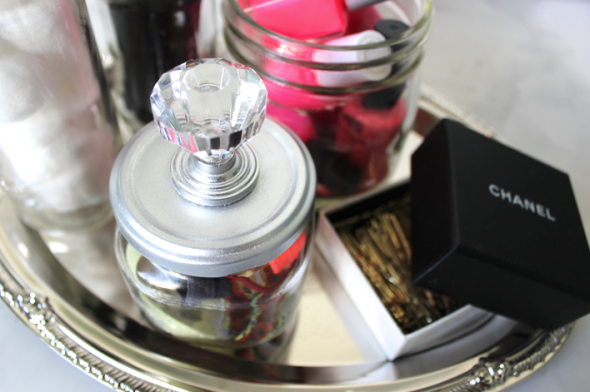 DIY door knob beauty jars Mis Kris Glitter N Glue organize GLUE