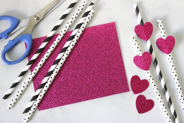 Miss Kris and Glitter 'N Glue DIY Glitter HEart Valentine's Day Straws PAPER
