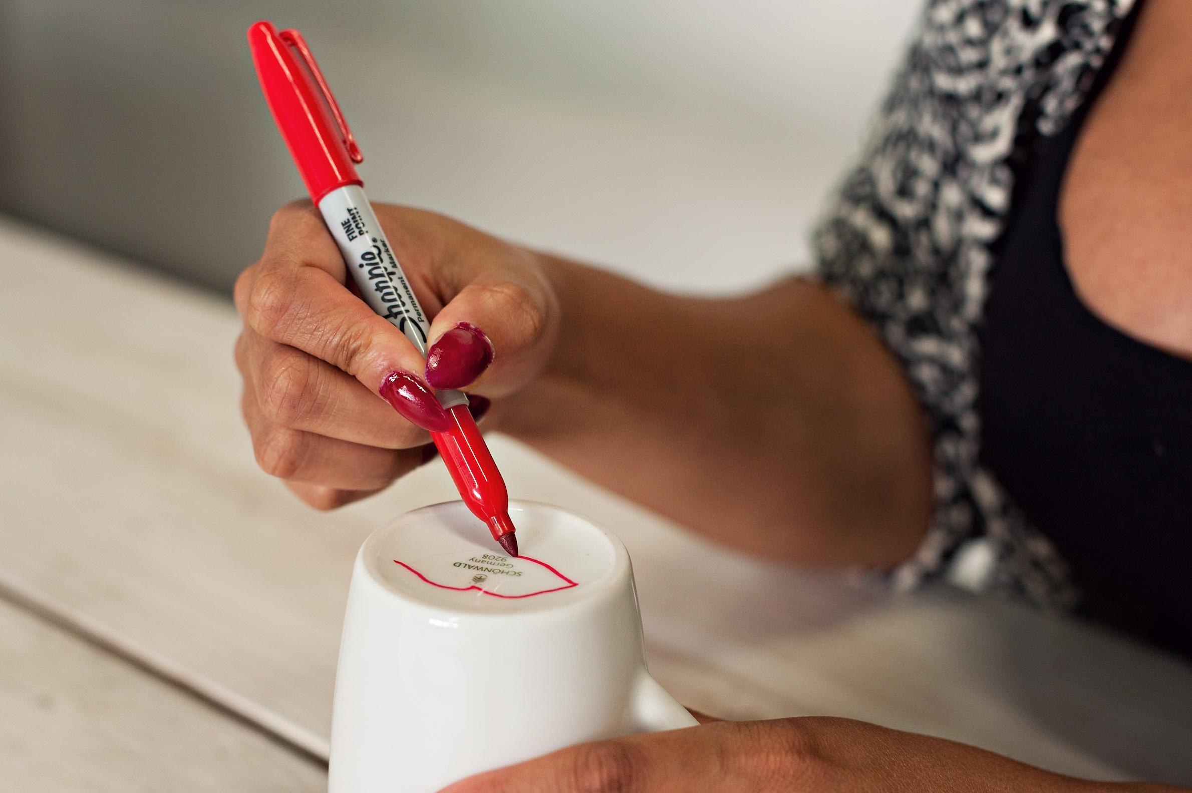 Miss Kris Sharpie Lips Mug Valentines Glitter N Glue  DRAW 1