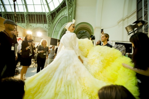 Miss Kris Giambattista Valli Fall 2014 - 3 VOGUE